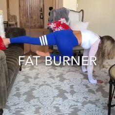 7 Secrets To Destroy Stubborn Tummy Pooch Fat WANTED – six-pack abs! If we could instantly have toned rock hard abs, we would all sign [. Fun Workouts, At Home Workouts, Exercise Routines, Bora Malhar, Fitness Bodybuilding, Six Pack Abs, Workout Challenge, Physical Fitness, Fitness Diet