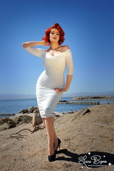Pinup Couture - 50s Monica Dress in Antique Off White from Laura Byrnes Black Label, just like Marilyn Monroe!