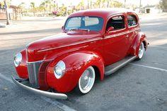 1940 Ford De Lux Sedan