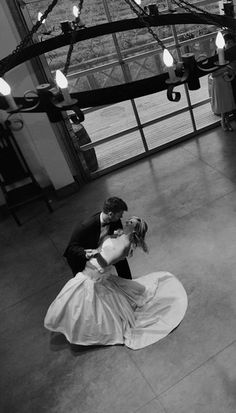 Dancing the night away at Sea Cider Farm & Ciderhouse. #Wedding #Victoria #VictoriaBC #heartVICTORIA | www.tourismvictoria.com