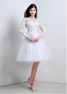 Elegant Tulle V-neck Neckline A-line Wedding Dress with Venice Lace