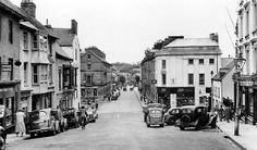 High Street looking towards Picton Place probably in the 1930's