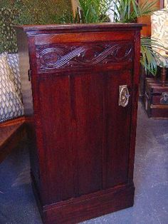 Antiekhandel G.Ott Furniture from the periode Amsterdam School, Art Nouveau, Art Deco, Craft Cabinet, Storage Chest, Arts And Crafts, Furniture, Home Decor, Craft Armoire