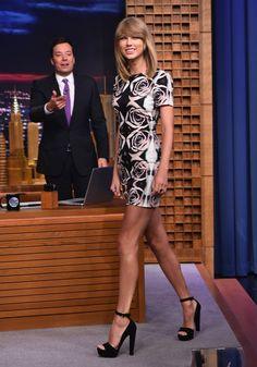 Pin for Later: Alexa Chung and Sofia Vergara Don't Play by the Red Carpet Rules Taylor Swift Taylor Swift visiting The Tonight Show in Bec & Bridge.