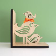 Bird Stack Wooden Bookend - www.graphicspaces.com