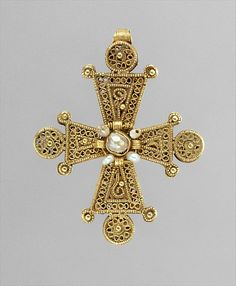 Hagia Sophia. Byzantine gold cross with pearls, 13th-14th c.