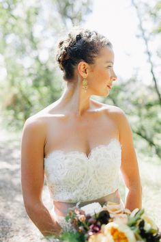 The Big Sur wedding of an Anne Barge bride featured on 100 Layer Cake blog. The wedding at Ventana Inn and Spa is full of dreamy florals