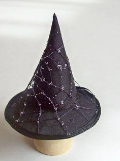 handmade miniature scale toys | Handmade 1/12 scale dollshouse miniature spiders web witches hat