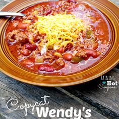 Copycat Wendy's Chili Recipe - ZipList. Swap out the ground beef with crumbled mild italian sausage links.  #JohnsonvilleSausageSwap Slow Cooker Recipes, Crockpot Recipes, Soup Recipes, Cooking Recipes, Chili Recipes, Crock Pot Chili, Copycat Wendy's Chili, Copycat Recipes, Wendys Chili