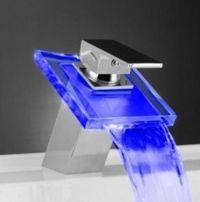 Смеситель-водопад с подсветкой