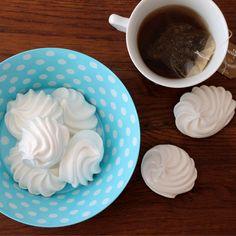 It's teatime! Polka Dots Schale von Dotcomgiftshop