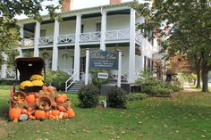 Fall at the Charles Inn in Niagara on the Lake.