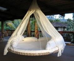 Suspended Swinging Trampoline Bed 300x250 2012 Recyclart Top 10 Posts ! in wood plastics pallets 2 metals lights glass garden 2 furniture electronics diy cardboard bike friends art architecture accessories  with Recycled