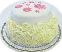 Kukkakakku persikka-vadelmatäytteellä Flower cake with peach-raspberry filling
