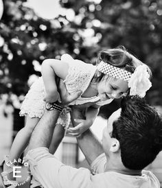 Father daughter picture • black and white picture • photo credit Joe Elario