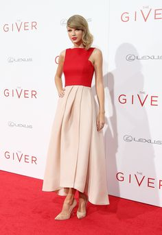 Taylor Swift looked absolutely breathtaking in a gorgeous red and pink gown at the red carpet premiere of her new film, The Giver. We love her classic Old Hollywood glam hair and makeup styles!