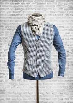 DORNSCHILD single-breasted vest - Spring/Summer 2016 / Dornschild Herrenweste - Frühjahr/Sommer 2016 - Dunkelblau - Strickweste #dornschild #herrenwesten #herrenweste #westen #weste #herrenmode #thevestbrand