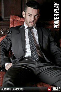 Mens Fashion Suits, Mens Suits, David Beckham Shirtless, Stylish Men, Men Casual, Dominant Man, Leather Jeans Men, Formal Men Outfit, Dark Men