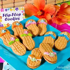 Sweet Ideas for Luau Party Treats - Party City - flip flop cookies Hawaiian Luau Party, Hawaiian Birthday, Luau Birthday, Tropical Party, Aloha Party, Birthday Ideas, Hawaiian Theme, Moana Birthday, Summer Birthday