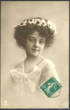 HR116-GRETE-REINWALD-FILLETTE-GIRL-HAIRSTYLE-DAISIES-Tinted-PHOTO-pc-GL-Co