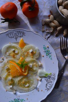 Insalata di finocchi, dressing al mandarino e arachidi