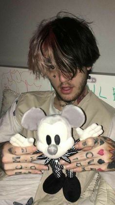 lil peep Choosing The Right Chain Link Fence For Your Home Chain link fence (also known as chainlink Cry Baby, Photo Wall Collage, Picture Wall, Lil Peep Lyrics, Lil Peep Tattoos, Tattoos For Baby Boy, Lil Peep Beamerboy, Lil Peep Hellboy, Goth Boy