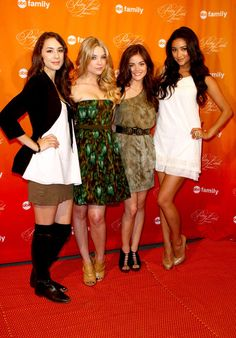 The Entire Cast of Pretty Little Liars Has Insane Off-Screen Style. Let's Have a Look!