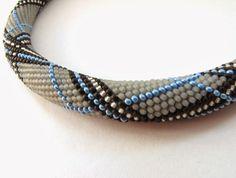 http://dolgovasve-handmade.blogspot.com/2014/01/one-more-bead-crochet-necklace.html
