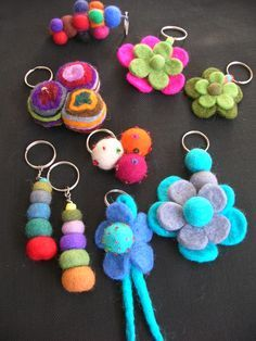 Keychain - key ring - heart - gift idea- felt keychain - party favors - Valentine's - love - sweet 16 - party - Patchyz by Kathleen Flask Felt Keychain, Tassel Keychain, Crafts To Sell, Diy And Crafts, Arts And Crafts, Felt Cat, Mothers Day Crafts, Felt Toys, Felt Ornaments