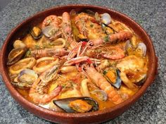 Navidad Dukan: Zarzuela de pescado y marisco (Dukan Crucero) / Dukan Diet Shellfish Stew Fish Recipes, Seafood Recipes, Mexican Food Recipes, Gourmet Recipes, Great Recipes, Cooking Recipes, Healthy Recipes, Fish Dishes, Seafood Dishes