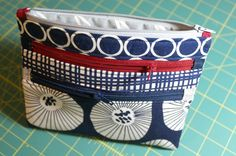 A Quilter's Table: Triple-Zip Pouch