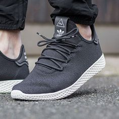 A couple of new Colorways are dropping. What's your opinion on the Tennis HU silhouette? : by @allikestore ✒ #99kicksde for shoutout Facebook/Twitter/Pinterest: 99kicksde 99kicks.com #adidas #tennishu #adidasoriginals #adidastennishu #follow4follow #TagsForLikes #photooftheday #fashion #style #stylish #ootd #outfitoftheday #lookoftheday #fashiongram #shoes #kicks #sneakerheads #solecollector #soleonfire #nicekicks