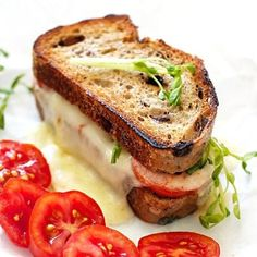 Favorite grilled cheese recipes on Family Fresh Cooking food, recipe, lifestyle blog. Healthy, quick and simple meals for kids school lunch box meals.