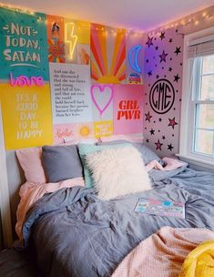 Elegant dorm room decorating ideas 10 is part of Room decor Elegant dorm room decorating ideas 10 - Cute Room Ideas, Cute Room Decor, Neon Room Decor, Room Wall Decor, Room Ideas Bedroom, Small Room Bedroom, Bedroom Inspo, Teen Bedroom, Diy Bedroom
