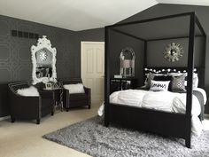 Loving this bedroom decor...and that wallpaper is fabulous!