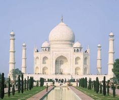 Photograph:White marble and gemstones cover the outside of the Taj Mahal. Some people worked on the monument, which took 22 years to build. Eid Banner, Eid Greeting Cards, Taj Mahal, Ramadan Greetings, Kids Homework, Islamic Gifts, Story Of The World, Agra, India