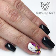 """Polubienia: 50, komentarze: 1 – Dorota Klimowicz Nails Art (@dorota_klimowicz_nails_art) na Instagramie: """"Motylem jestem  #butterfly #blacknails #paznokcie #manicurehybrydowy #manicure #nailsart #nails…"""""""