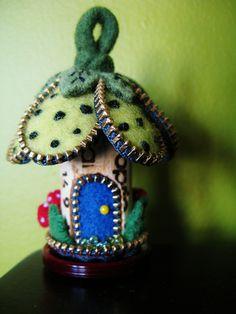 OOOOoooo another little house