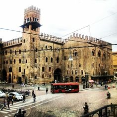 La bella #bologna vista dall'Apple Store