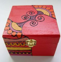 Painted Trunk, Painted Wooden Boxes, Decoupage Tutorial, Decoupage Box, Hobbies And Crafts, Arts And Crafts, Wooden Box Crafts, Hand Painted Pottery, Altered Boxes