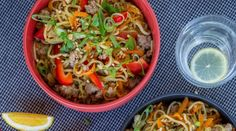 This quick and easy pork and vegetable noodle stir-fry is the perfect mid-week dinner dish. Mince Recipes, Stir Fry Recipes, Cooking Recipes, Pork Recipes, Pork Noodles, Healthy Stir Fry, Pork Stir Fry, Pork Mince, Vegetable Noodles