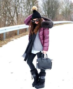 winter outfits snow outfit-winter-look-moon-boots-snow-givenchy-bag-gucci-scarf Winter Mode Outfits, Winter Outfits Women, Casual Winter Outfits, Winter Fashion Outfits, Look Fashion, Outfit Winter, Rain Fashion, Womens Fashion, Bootfahren Outfit