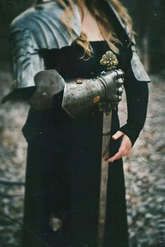 Image uploaded by jabberwocky. Find images and videos about woman, fantasy and warrior on We Heart It - the app to get lost in what you love. Dragon Age, Narnia, Story Inspiration, Character Inspiration, Writing Inspiration, Fantasia Marilyn Monroe, Eleonore Bridge, Warrior Queen, Woman Warrior
