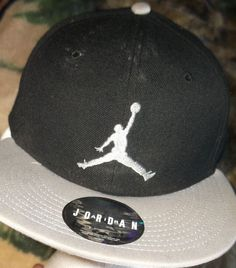new style b6a0e 701b8 NIKE JORDAN JUMPMAN ADJUSTABLE SNAPBACK CAP HAT BLACK WHITE ADULT MEN WOMEN   Jordan  BaseballCap