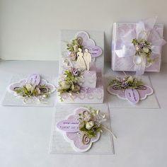 Maj jest miesiącem, w którym uroczystości komunijne przeplatają się z tymi ślubnymi, a więc i kartki w przeważającej większości w tych temat... Magic Box, Wedding Boxes, Wedding Cards, Exploding Gift Box, Fancy Envelopes, Diy Crafts For Girls, Paper Rosettes, Pop Up Box Cards, Pretty Box