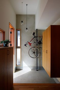 Japanese Home Design, Japanese House, Bike Storage Mount, Garage Interior, House Entrance, Living Room Designs, Minimalism, House Design, Interior Design