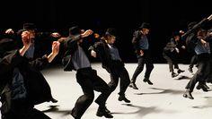 Batsheva Dance Company: danzare la vita con Ohad Naharin - www.danzasi.it