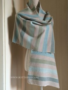 Cyclades Colors stole - Botthéka's loom http://english.bottheka.com/blog/cyclades-colors/