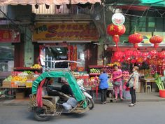 Manila's Chinatown along Ongpin Street is the oldest of its kind in the world, founded in Manila, Philippines, Old Things, Street, Walkway