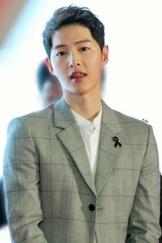 Song Joong, Song Hye Kyo, Asian Boys, Asian Men, Korean Men, Asian Actors, Korean Actors, Descendants, Soon Joong Ki